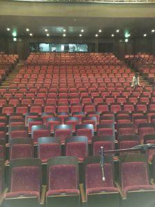 舞台セッティング中です。